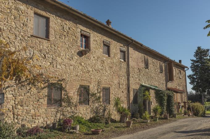 casale-in-pietra-ristrutturato-4-camere-in-vendita-toscana-firenze-gambassi-terme