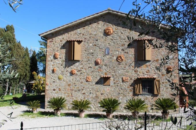 casale-ottocentesco-in-vendita-tuscany-volterra