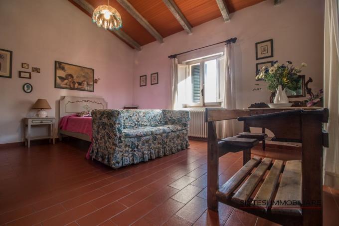 camera-doppia-incantevole-villa-di-campagna-in-vendita-toscana-pisa-lari