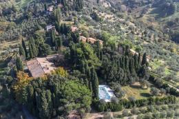 Tenuta del 600 villa 12 camere| guesthouse| piscina| terreno 10 ha| in vendita toscana pisa Volterra