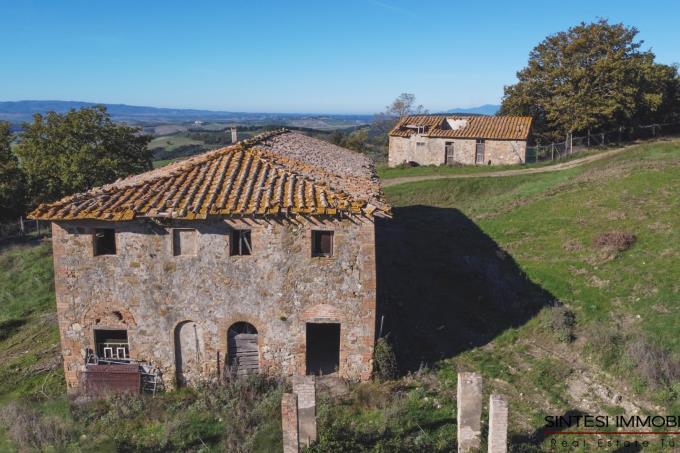 antico-borgo-con-due-casali-in-vendita-toscana-siena-san-gimignano