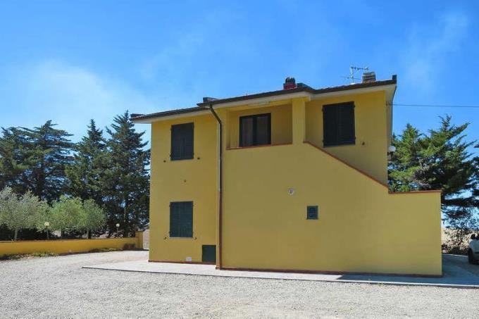 ustico-casale-due-appartamenti-con-piscina-in-vendita-toscana-pisa- santa luce