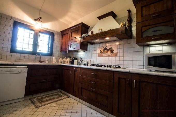 cucina-villa-con-vista-mare-in-vendita-toscana-grosseto-scansano