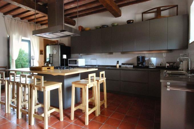 cucina-casale-principale-vendita-toscana-siena