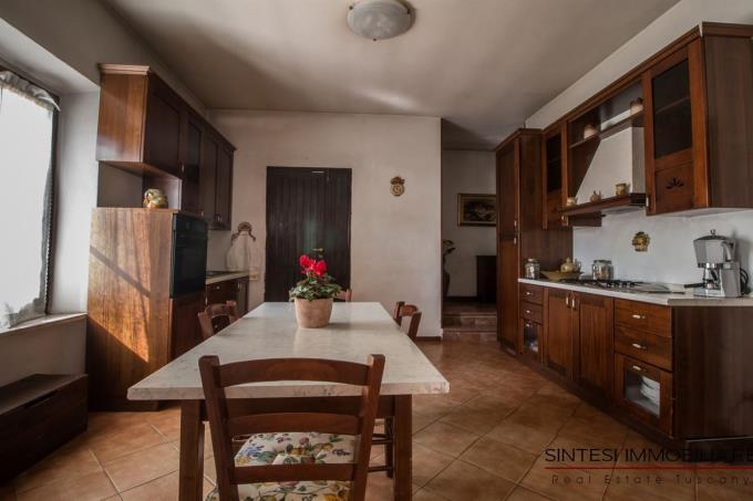 cucina-fattoria-in-vendita-toscana-grosseto-scansano-morellino