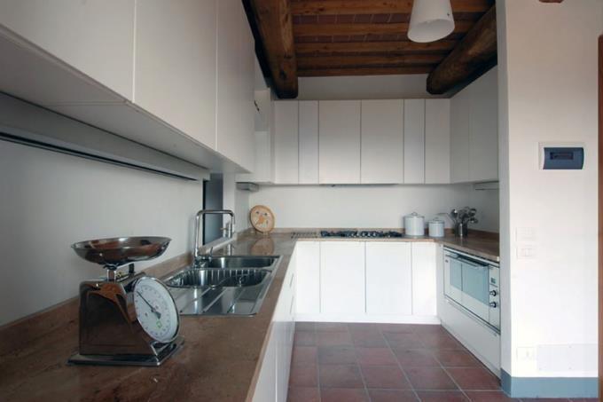 cucina-fienile-ristrutturato-vendita-toscana-siena
