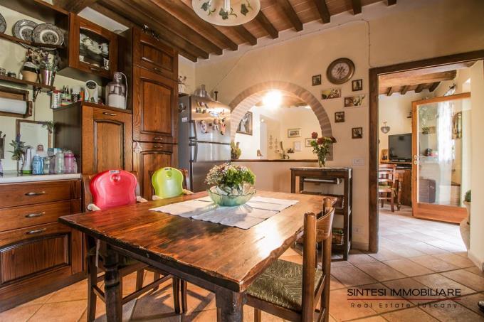 cucina-rustico-in-pietra-ristrutturato-in-vendita-toscana-livorno-suvereto
