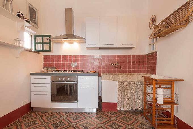 cucina-signorile-villa-vista-mare-in-vendita-toscana-costa-campagna-livorno