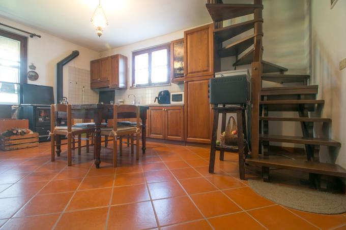 cucina-tenuta-per-cavalli-con-villa-in-vendita-toscana-maremma-suvereto