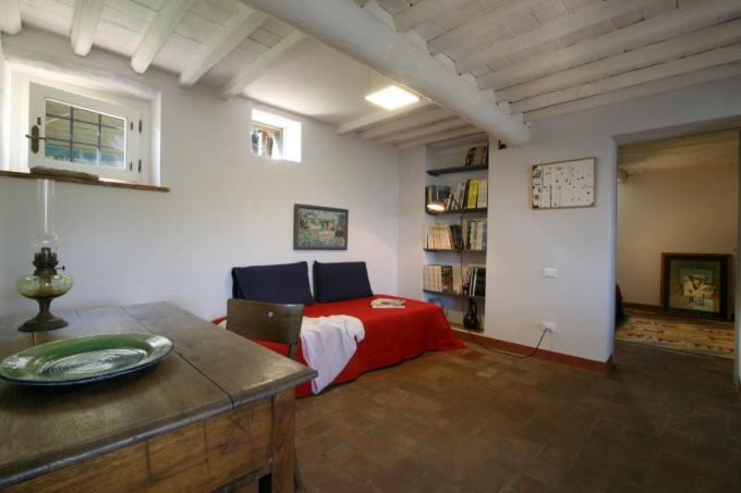 living-renovated-farmhouse-according-green-criteria-for-sale-tuscany-versilia