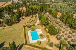 Straordinaria tenuta con villa antica | 3 casali | piscina in vendita Toscana | Livorno | Suvereto
