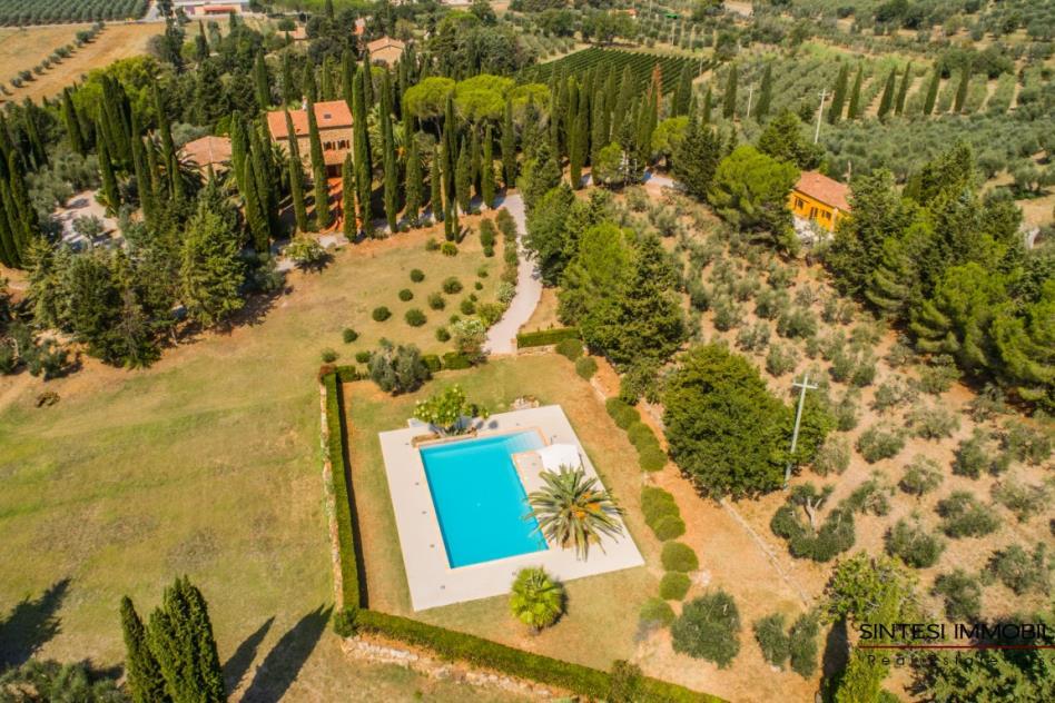 dimora-d'epoca-con-piscina-vista-mare-in-vendita-toscana-livorno-suvereto