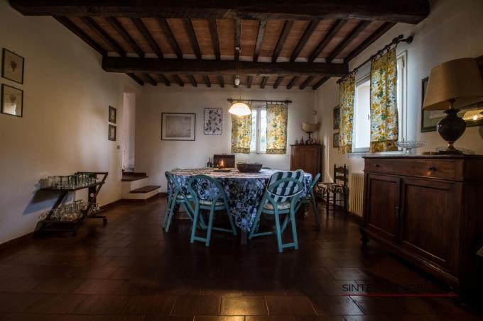 soggiorno-esclusiva-villa-di-campagna-in-vendita-toscana-pisa-lari