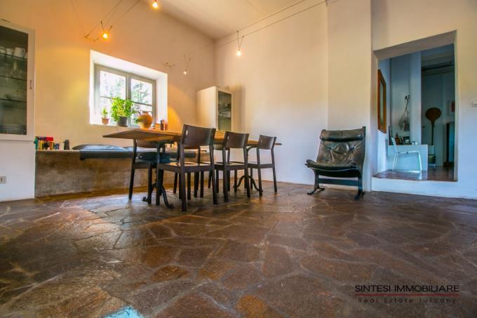 soggiorno-casale-di-charme-in-vendita-Sud-toscana-Grosseto-Massa-Marittima