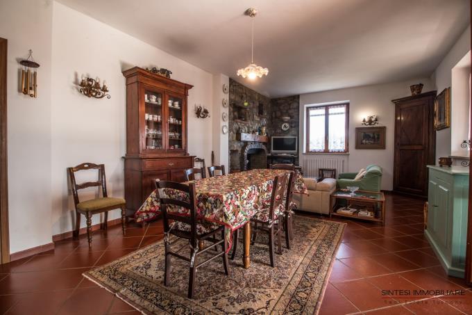 dinner-room-of-farmhouse-5-beds-near-sea-tuscany-castagneto-carducci-etruscan-coast.jpg