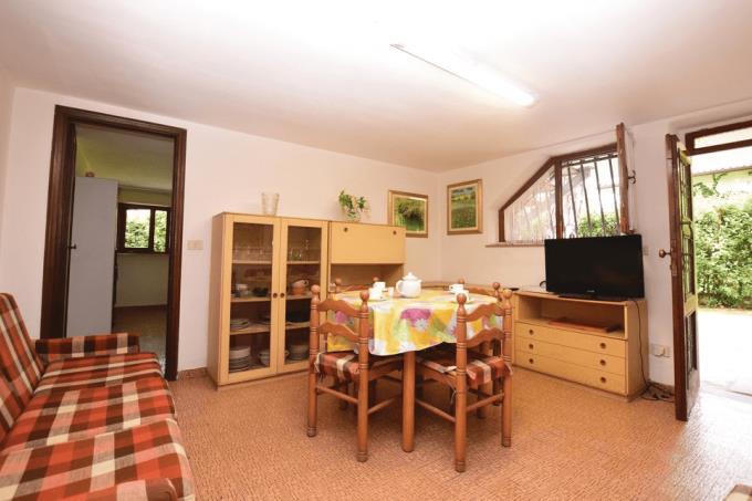 soggiorno-guesthouse-sea-villa-for-sale-tuscany-versilia-coast-lido-camaiore