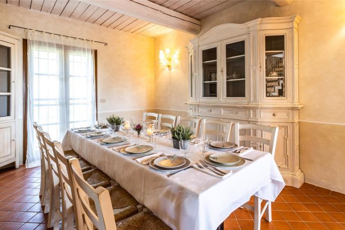 soggiorno-casale-con-piscina-6-camere-in-vendita-toscana-livorno-suvereto