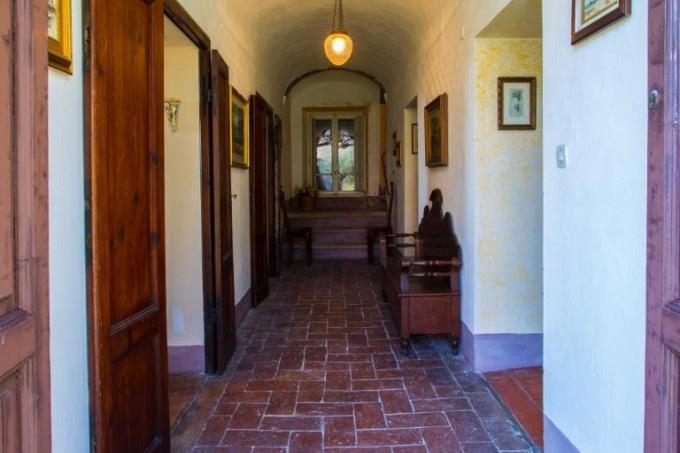 disimpegno-esclusiva-villa-antica-in-vendita-toscana-pisa-santa-luce