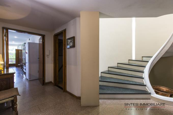 disimpegno-villa-vendita-spiaggia-costa-toscana-castiglioncello