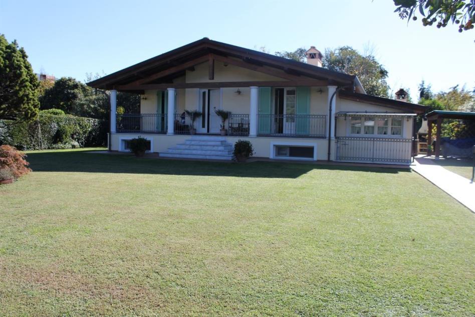 elegante-villa-nuova-costruzione-in-vendita-toscana-versilia-pietrasanta