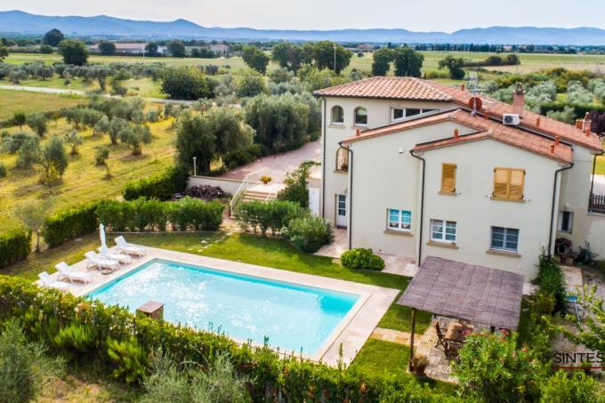 villa-contemporanea-con-piscina-in-vendita-toscana-castagneto-carducci-bolgheri