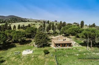 Esclusivo Casale in vendita in Toscana | Pisa | campagna di Volterra