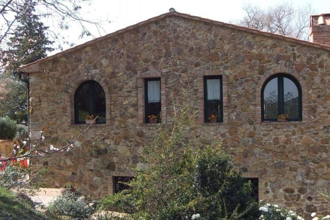 incantevole-rustico-in-pietra-in-vendita-toscana-costa-livorno-suvereto