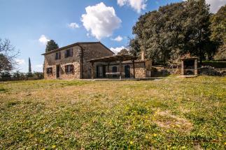 Casale in pietra con piscina in vendita in toscana | Castagneto Carducci area