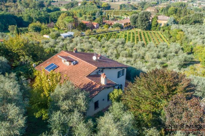 esclusiva-villa-in-stile-toscano-5-camere-oliveta-bio-in-vendita-toscana-lucca