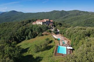 Prestigioso castello eremo del 1100 con piscina e vista mare in vendita in toscana a Volterra