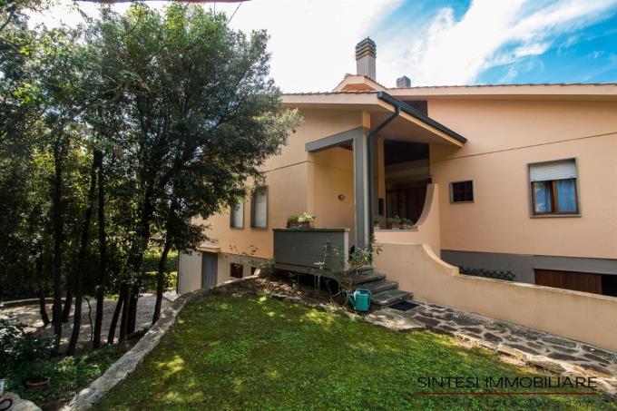 esclusiva-villa-con-parco-sul-mare-in-vendita-toscana-livorno