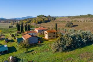 estate for horses villa la ninfea tuscan style plus ex-barn | flat land for sale tuscany suvereto
