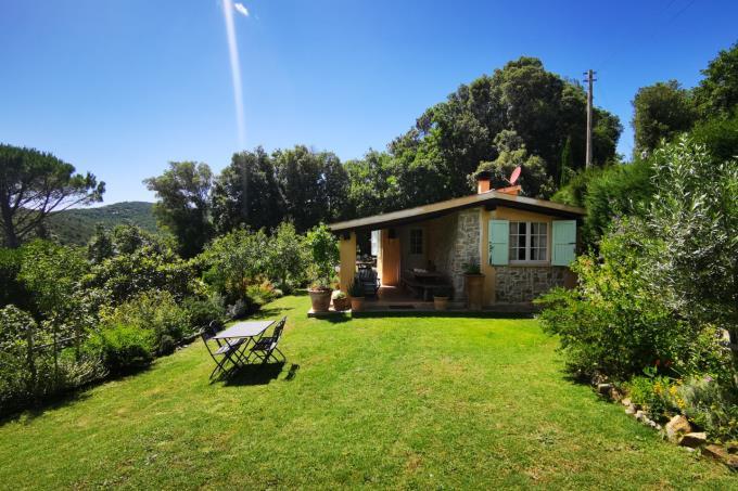 casale-ristrutturato-con-due-camere-giardino-in-vendita-toscana-costa-etrusca-castagneto-carducci