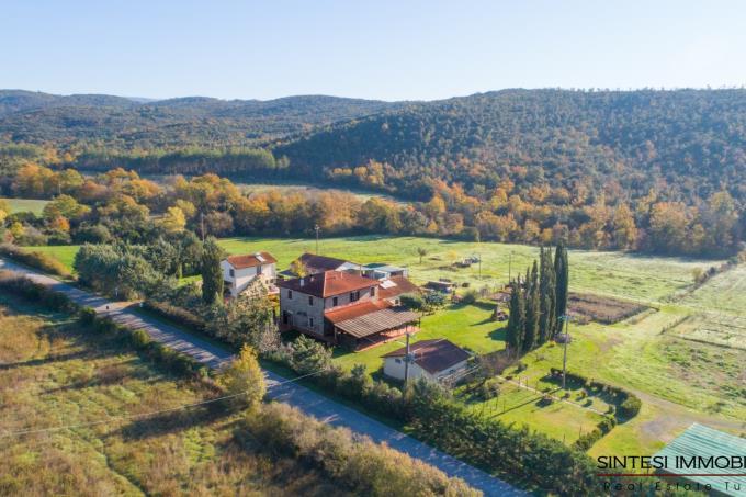 tenuta-per-cavalli-villa-in-stile-toscano-piu-ex-stalla-in-vendita-sud-toscana-maremma-suvereto