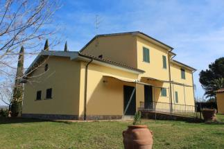 exclusive estate for sale in Tuscany near Talamone