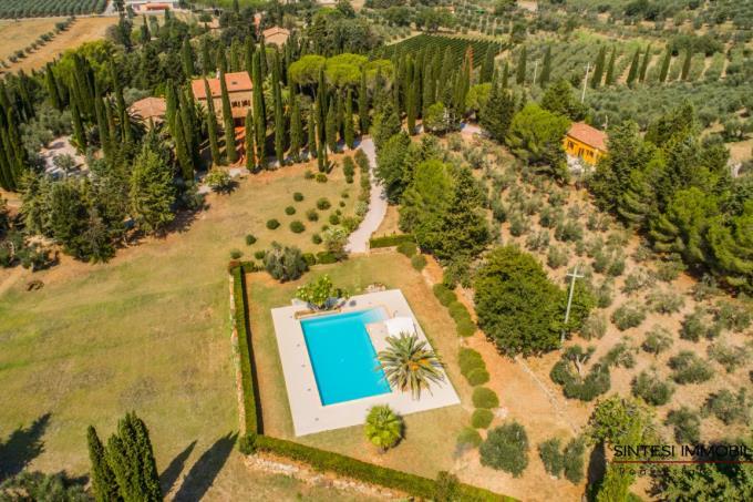 straordinaria-tenuta-villa-antica-piscina-vicino-baratti-in-vendita-toscana-livorno-suvereto