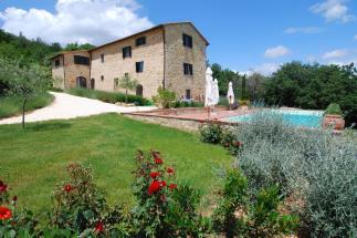 Prezzo ribassato lussuoso casale d'epoca con piscina in vendita sulle colline Senesi