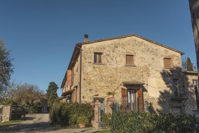casale-di-charme-con-vista-mozzafiato-in-vendita-toscana-firenaze-Gambassi-Terme