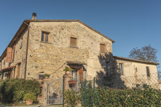 porzione-casale-di-charme-con-4-camere-in-vendita-toscana-Firenze-Gambassi-terme