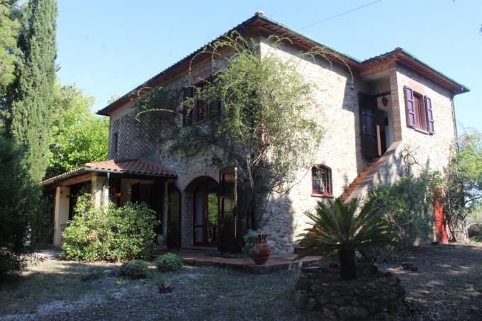 bellissimo-casale-in-pietra-vendita-toscana-valdicornia-suvereto