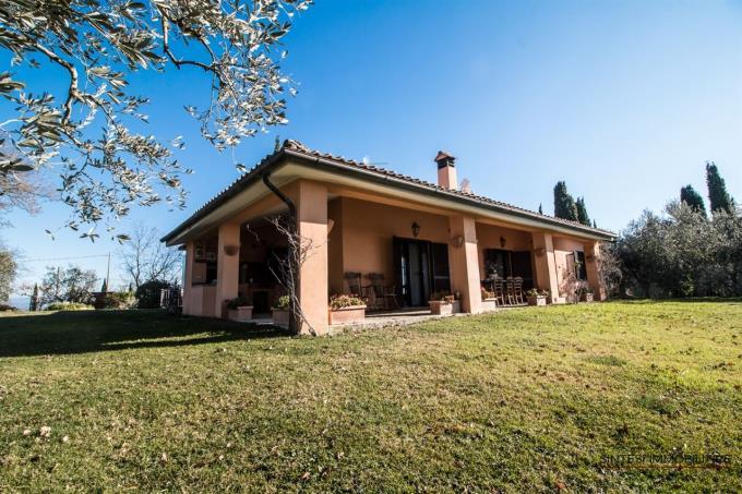 villa-con-vigneti-e-vista-mare-in-vendita-toscana-vicino-saturnia
