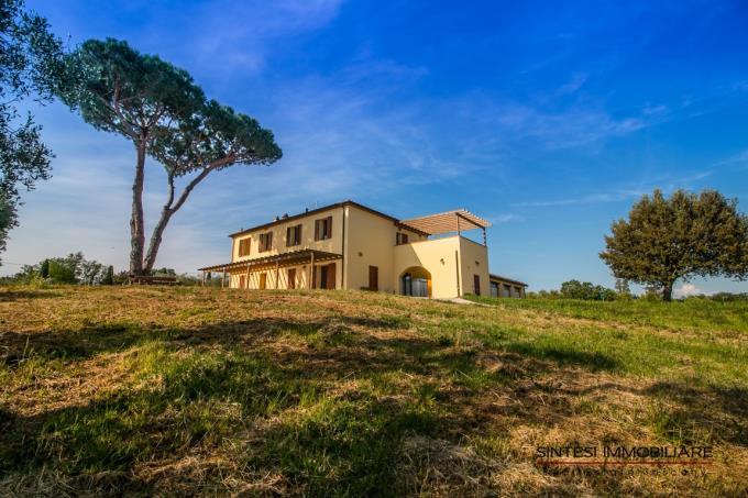 fattoria-con-vigneti-olivi-in-vendita-vicino-mare-toscana-livorno-bibbona