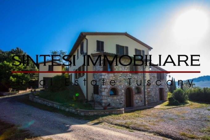 fattoria-con-vigneti-oliveti-cantina-in-vendita-toscana-colline-pisane
