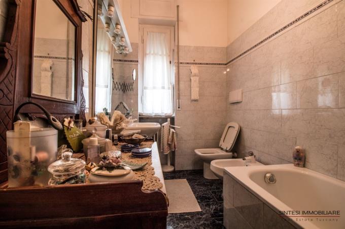 bagno-esclusiva-villa-con-vista-mare-in-vendita-toscana-costa-livorno
