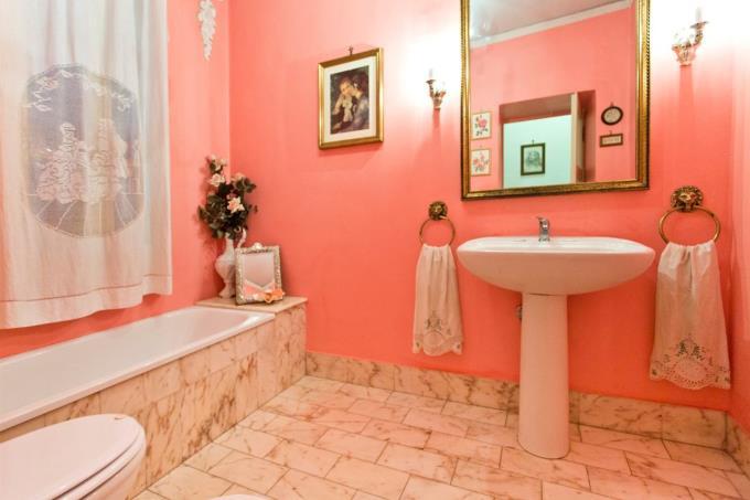 elegante-bagno-elegante-villa-ottocentesca-in-vendita-in-umbria-spoleto