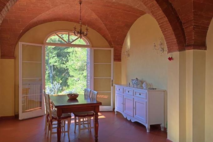 cucina-magnifica-residenza-di-campagna-in-vendita-toscana-pisa-chianni