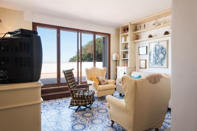 sala-appartamento-sulla-spiaggia-in-vendita-toscana-costa-castiglioncello