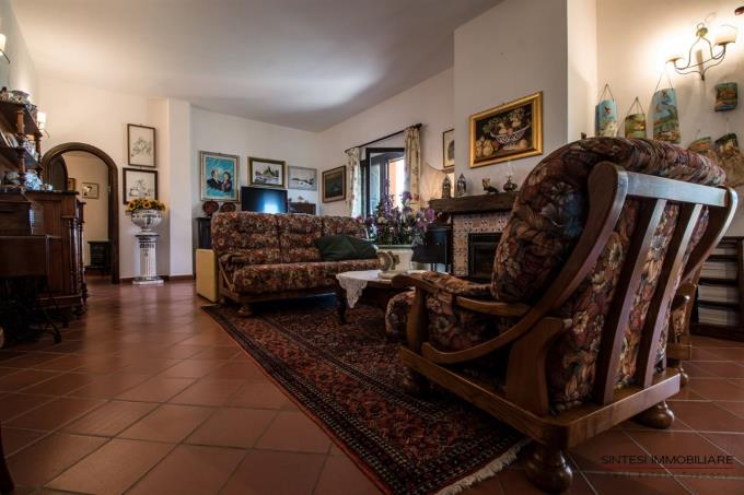 esclusiva-villa-con-vigneti-in-vendita-vicino-saturnia-grosseto
