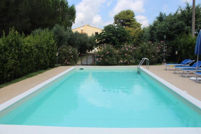 piscina-casale-di-prestigio-in-vendita-toscana-castagneto-carducci-vicino-bolgheri