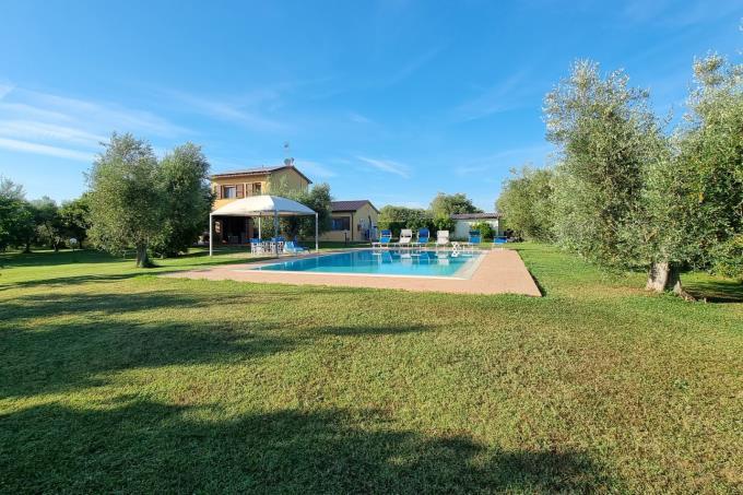 parco-con-piscina-villa-di-lusso-in-vendita-toscana--livorno-castagneto-carducci